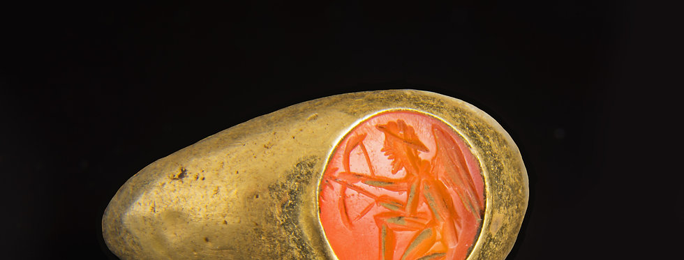 Roman hollow gold finger ring with intaglio