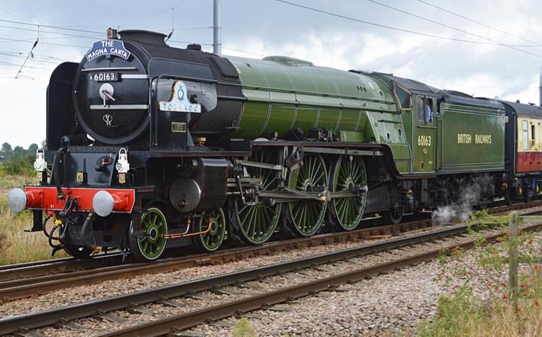 800px-LNER_Class_A1_4-6-2_No60163_'Tornado'_(29903372180)_edited.png