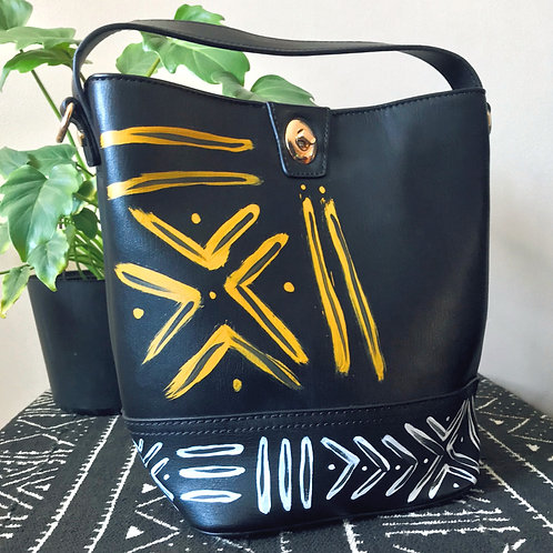 Black Beauty | Bucket Crossbody Purse