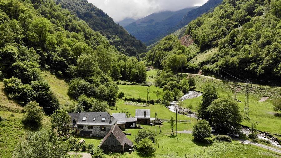 Le domaine de l'Artigou en été