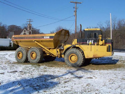 caterpillar-dump-truck-720x544