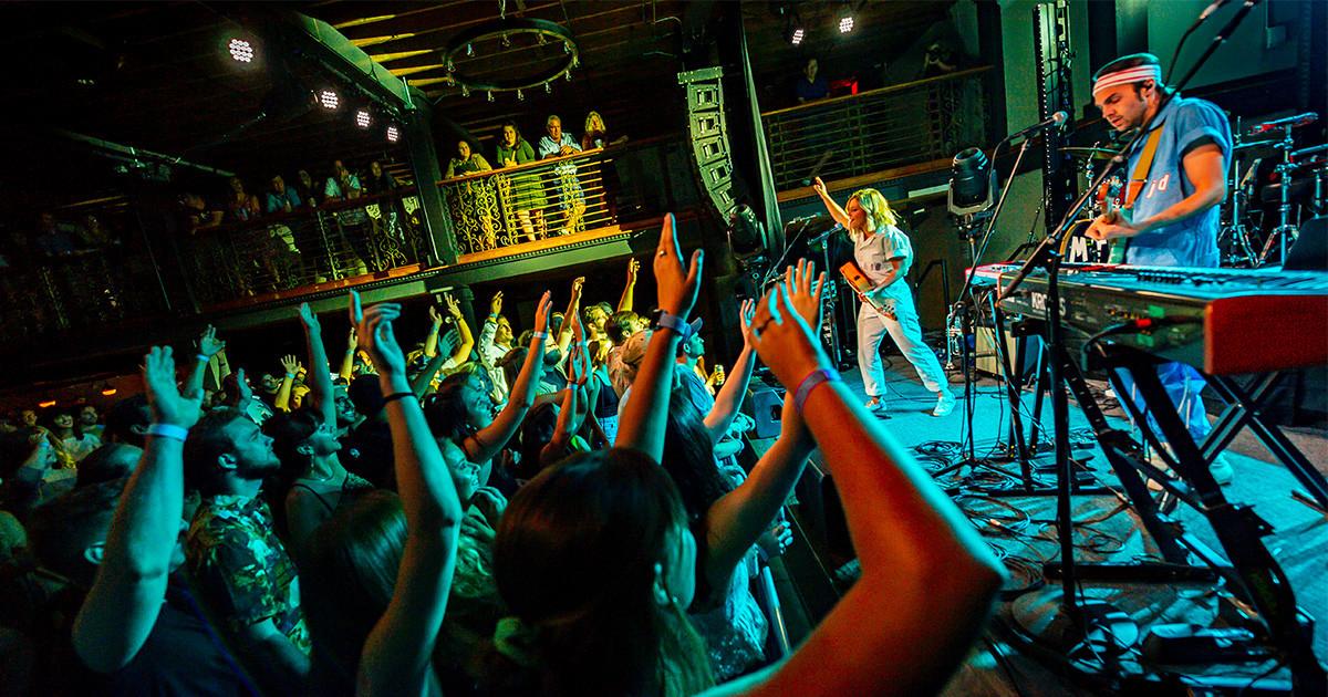 Bands_VN_MoonTaxi_25_GeoffLJohnson.jpg