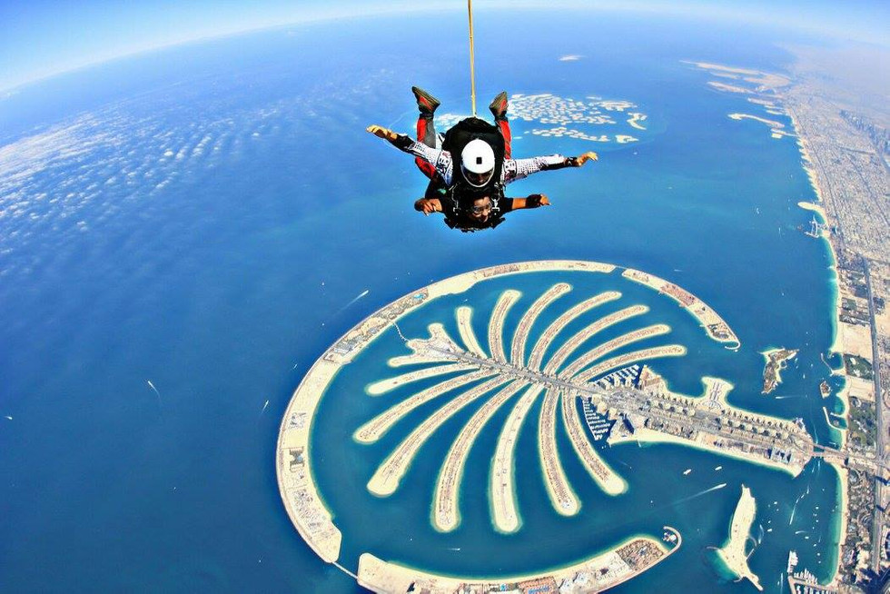 Skydiving in Dubai - An exhilarating experience...!!!