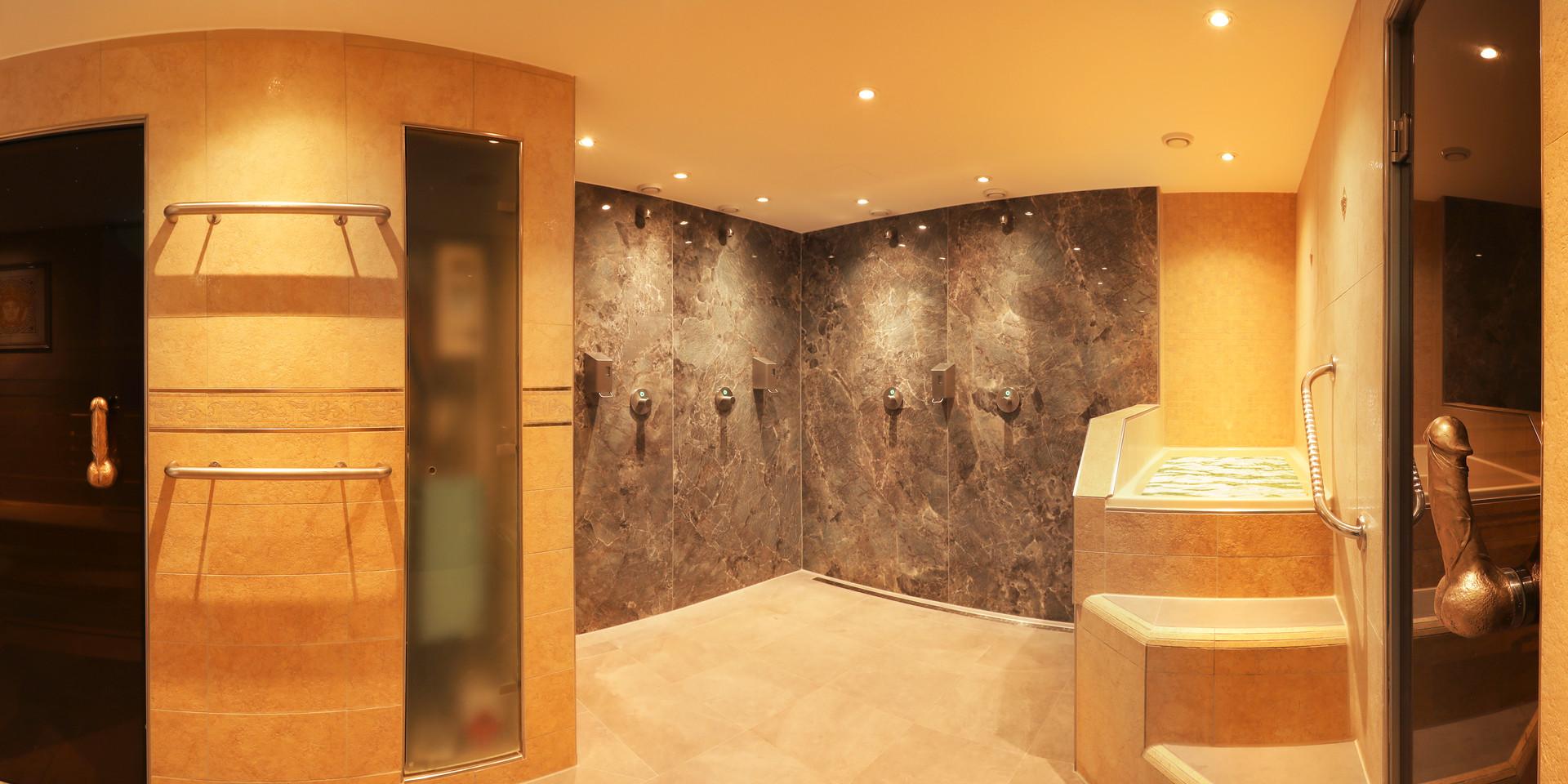 gay-sauna-renos-relax-club-showers