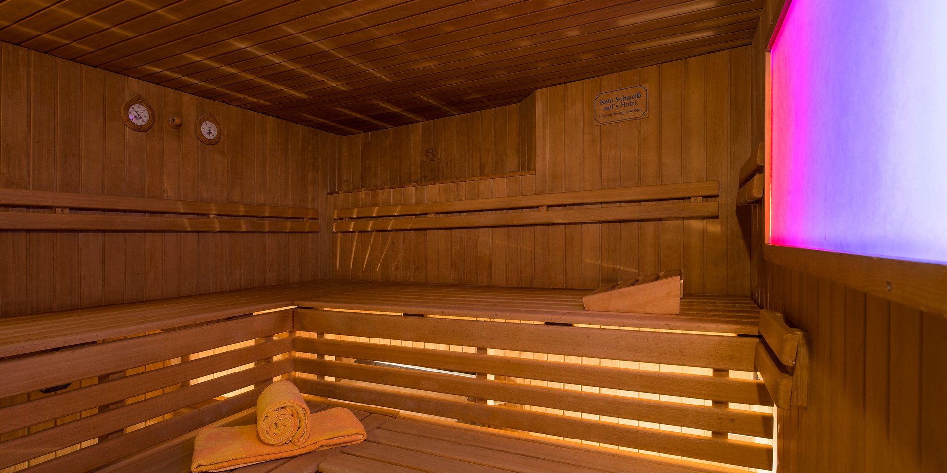 gay-sauna-renos-relax-club-sauna