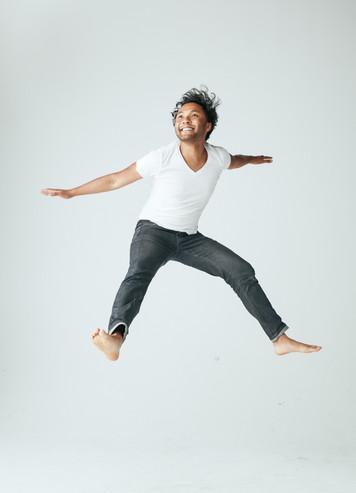 JUMPING FULLY1893 1.jpg