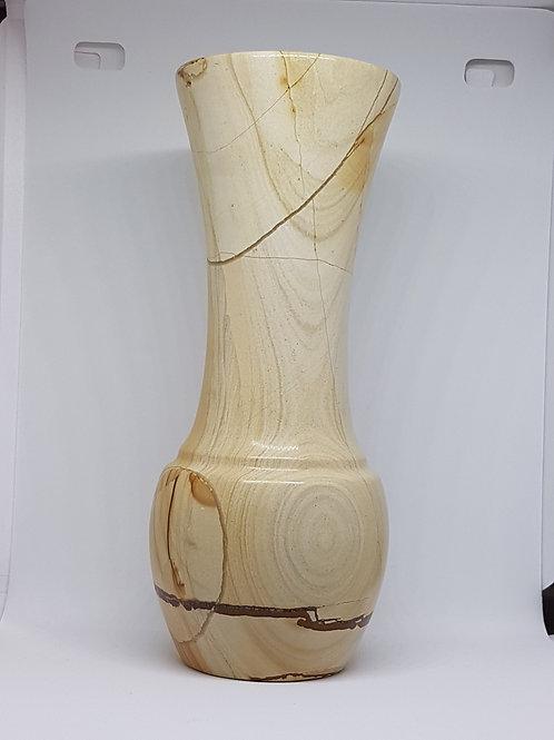 Vase aus Naturtein in Holzoptik