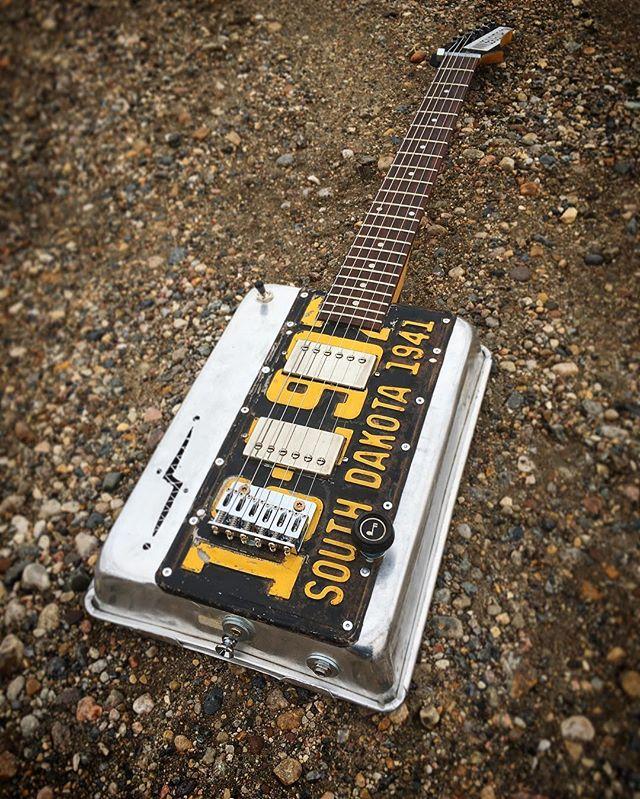 My 174th guitar... South Dakota plate cakepan mashup..