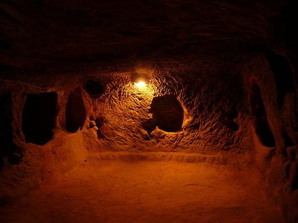 underground-city-64836_1920.jpg