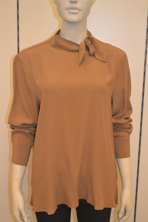 0039 Italy Bluse camel
