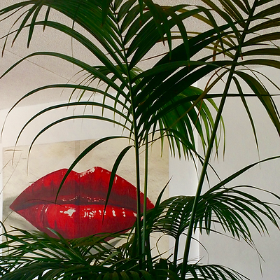 lipstick and palm trees