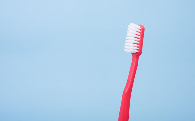 レッド歯ブラシ