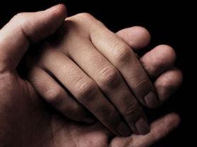 572_160704_hands.jpg
