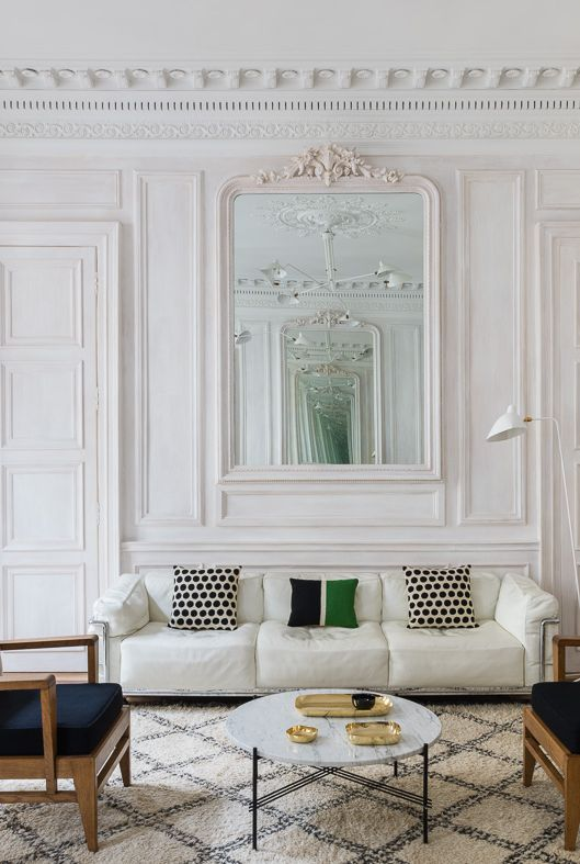 french-minaimlist-living-room-1554400193