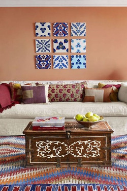 hbu-colorful-living-room-coral-151241716