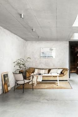 mikael-axelsson-minimalist-living-room-1