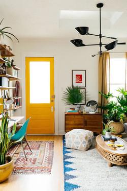small-living-room-01-1534796707.jpg