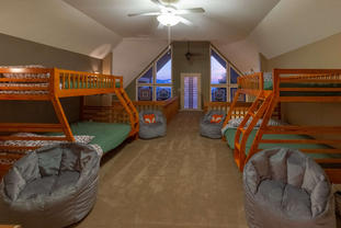 Upper level loft in Eagles Lodge