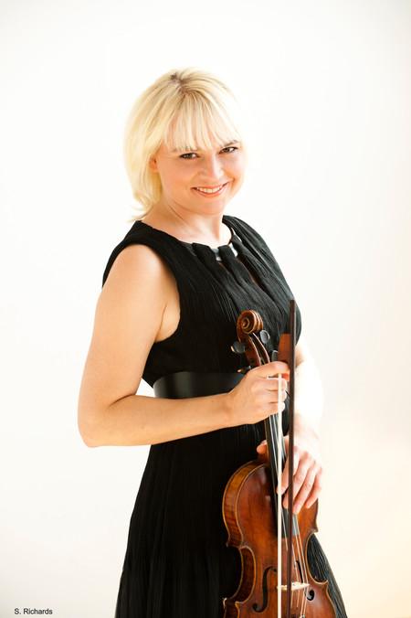 Julia Wedman 3
