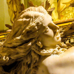 Dafne by Gian Lorenzo Bernini.