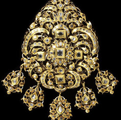 A breast ornament enameled gold set with diamonds ( ca. 1620-1630)