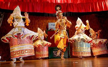 manippuri-dance-at-devagiri-cmi-public-s