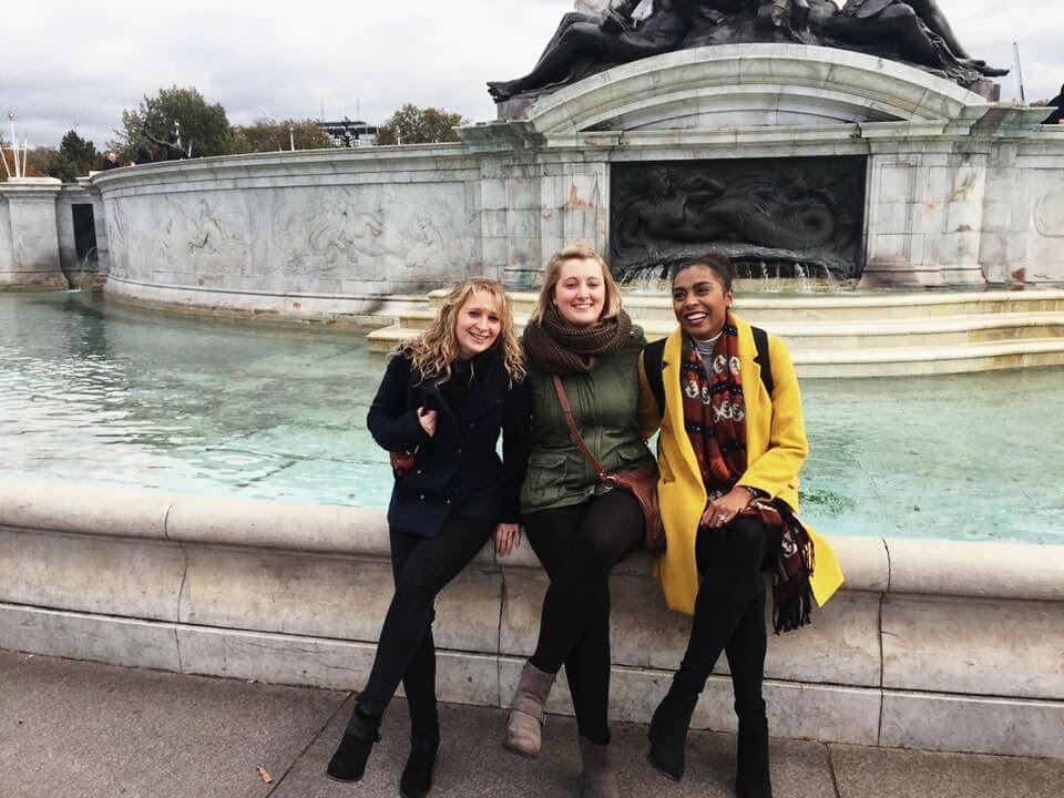 Victoria Memorial - Buckingham Palace, London