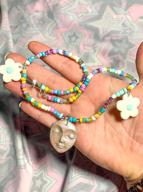 Flower face beaded necklace