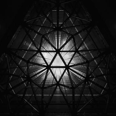 Iron Web (2010)
