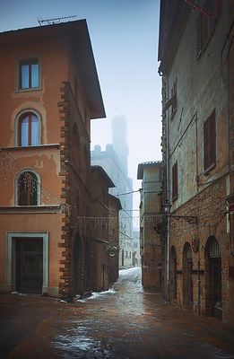 Snowfall in Volterra old town