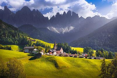 Santa Magdalena and Odle Mountains