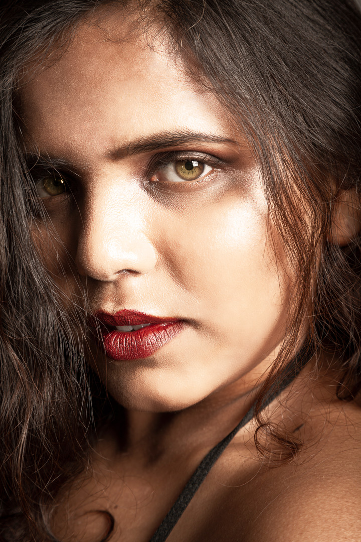 Priyanka Singh 8 re.jpg