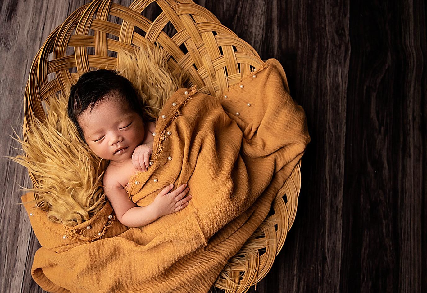 Luna-202039Nadia_Vieira_newborn photogra
