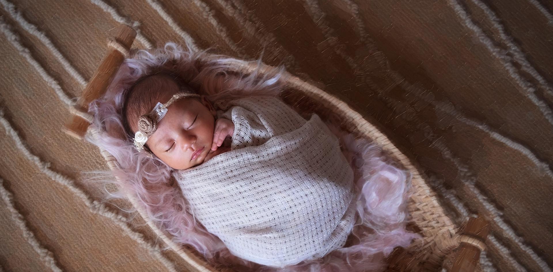 Cara_Newborn_15.jpg