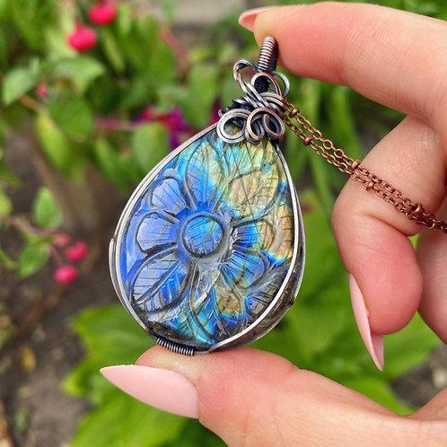 Floral Carved Labradorite Necklace - Copper