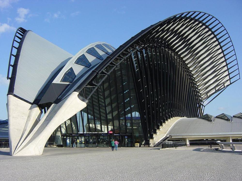 Réservez votre chauffeur VTC de la gare de Lyon Saint-Exupéry pour aller à Val Thorens