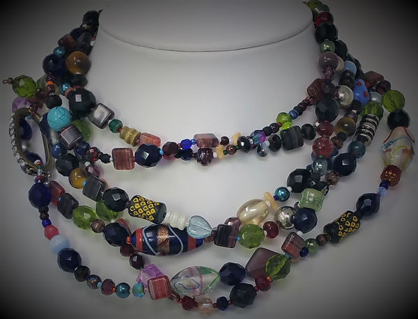 Necklace-Emballage-F-01.jpg