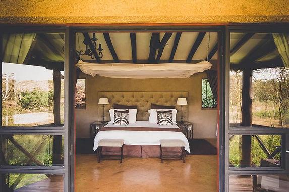 the-emakoko-lodge-interior-bedroom-01_-_