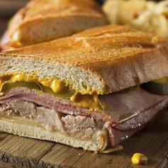 11 - Medianoche sandwich.jpg