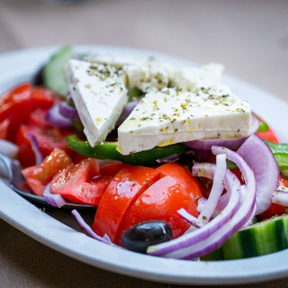 #1 Greek diet - flavorful and healthy.jp