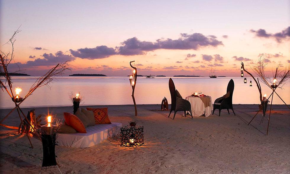 Anantara-Kihavah-Maldives-Villas11-2000x