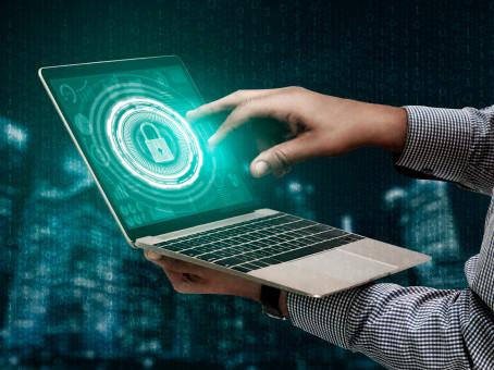 Conozca los pasos para reducir las ciberamenazas externas que afectan la marca.