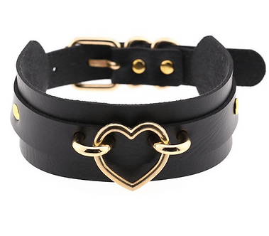 Love In Leather - Heart Collar