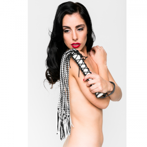 Love in Leather – Corset Flogger