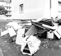 apartment%20clean%20out_edited.jpg