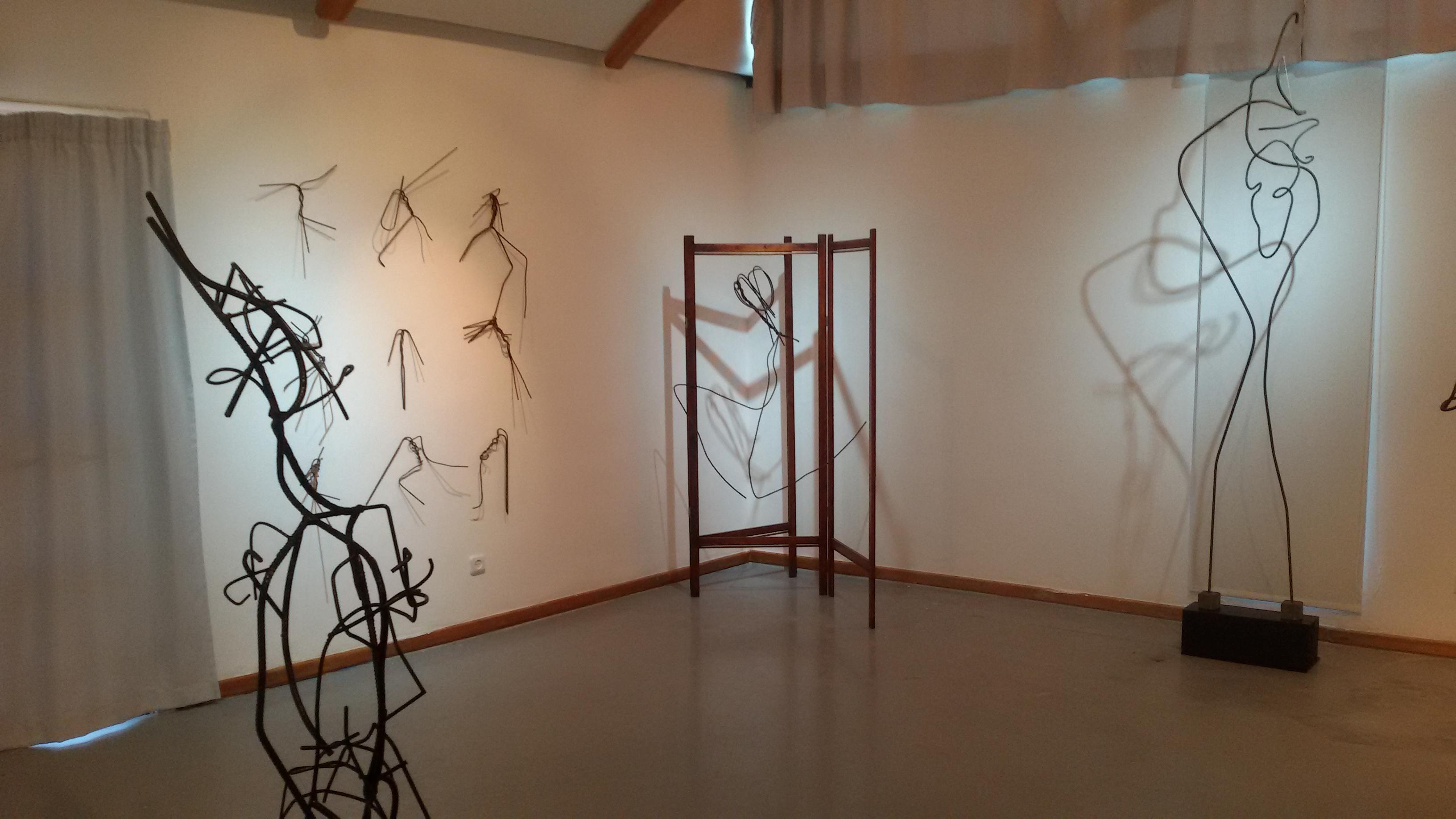 Tie - exhibition by Arik Afek