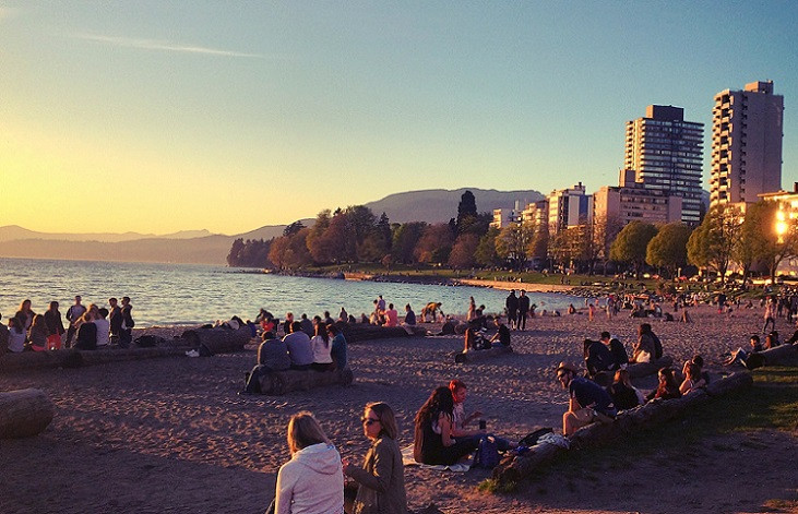 English Bay, my backyard, playground, date spot, rendez-vous point, and selfie backdrop. Photo: Eddy Boudel Tan