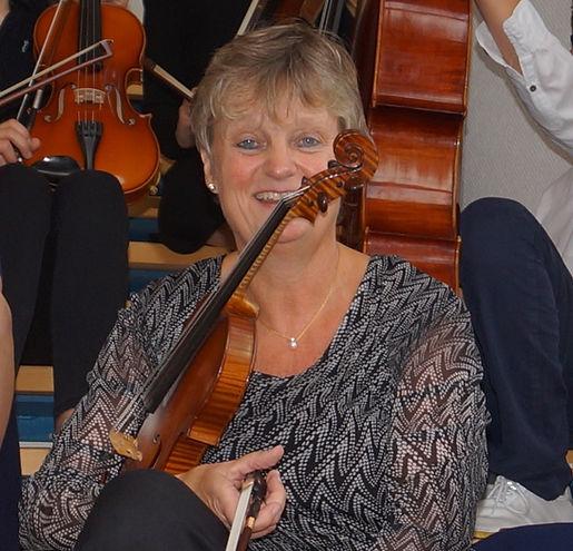 Ulli mit Geige 2.JPG