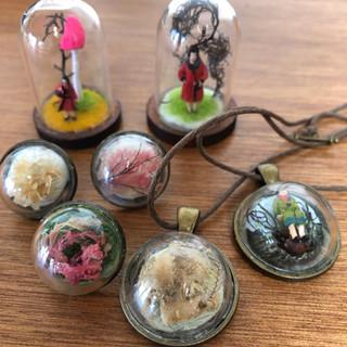 Mini domes & pendants