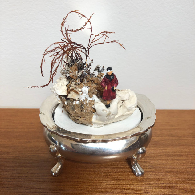 Mini silver dish lady
